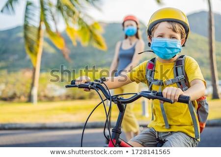 Aktív iskolás gyerek fiú anya orvosi maszk Stock fotó © galitskaya