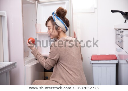 Nő visel pizsama néz hűtőszekrény konyha Stock fotó © konradbak