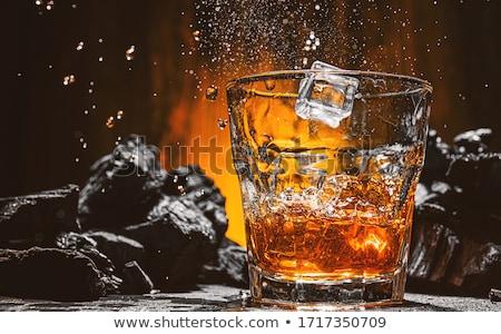 Alcohol vidrio hielo aislado bar oro Foto stock © fuzzbones0
