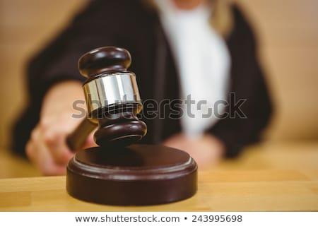 Hand knal hamer rechter kamer vrouw Stockfoto © wavebreak_media