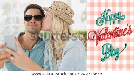Vrouw hoed zonnebril vergadering patio openhartig Stockfoto © ozgur