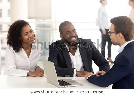 Kobieta zakupu nowy dom mówić pośrednik sprzedaży Zdjęcia stock © diego_cervo