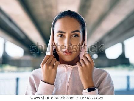 Piękna kobieta odzież sportowa stwarzające odkryty piękna Zdjęcia stock © GVS