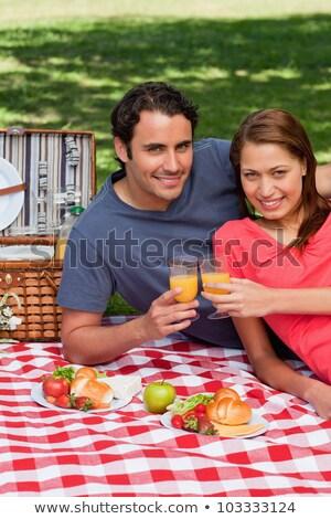 Dwa znajomych dotknąć okulary uroczystości patrząc Zdjęcia stock © wavebreak_media