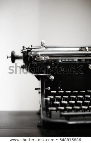 Pormenor velho máquina de escrever retro chave preto Foto stock © jarin13