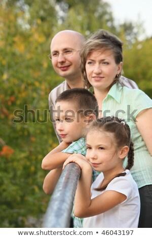 Tata mama mały chłopca dziewczyna łokieć Zdjęcia stock © Paha_L