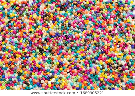 Renkli boncuk ayarlamak kutu el Stok fotoğraf © pakete