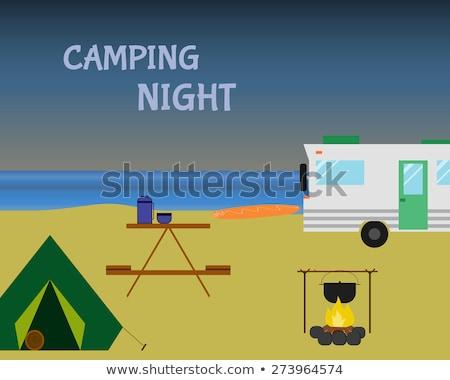 ヴィンテージ キャンプ 1泊 レトロな キャラバン ビーチ ストックフォト © JeksonGraphics