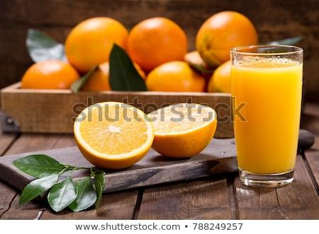 Foto d'archivio: Succo · d'arancia · vetro · fresche · frutti · foglie · legno