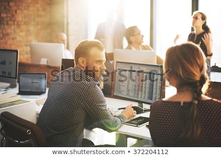ビジネスの方々  作業 オフィス 統計値 チームワーク ビジネス ストックフォト © alphaspirit