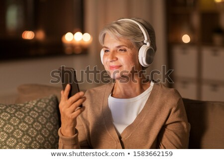 Altos mujer teléfono Navidad tecnología Foto stock © dolgachov