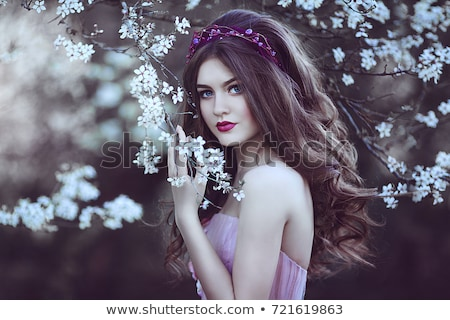 Portret mooie jonge vrouw model roze Stockfoto © ElenaBatkova