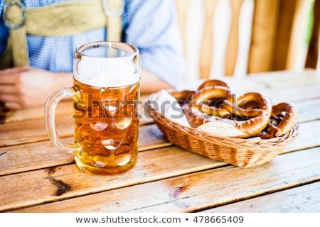 Bière bretzels oktoberfest alimentaire fond Photo stock © furmanphoto