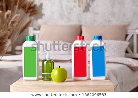 Сток-фото: три · яблоки · пластиковых · кухне · белый · чистой