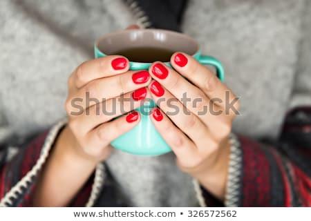 Vrouw dekken mok home woonkamer Stockfoto © wavebreak_media