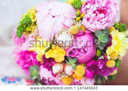 buquê · de · casamento · mãos · noiva · vestido · branco · flor · casamento - foto stock © ruslanshramko
