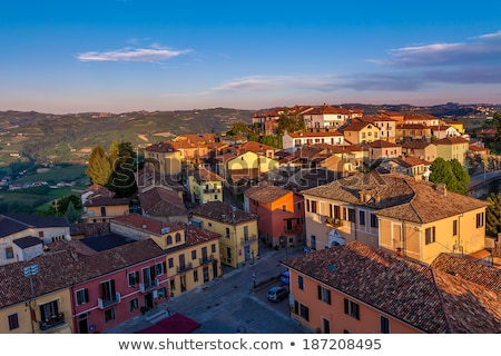 İtalyan evler İtalya geleneksel renkli kiremitli Stok fotoğraf © rglinsky77