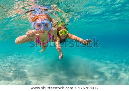 moeder · dochter · zwemmen · zee · familie · kinderen - stockfoto © mikko