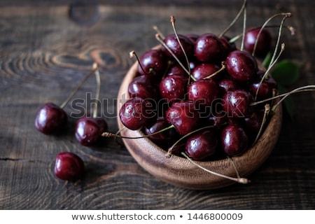 świeże czerwony wiśni drewniany stół makro wody Zdjęcia stock © Valeriy