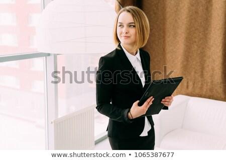 mulher · jovem · mulher · de · negócios · grande - foto stock © deandrobot