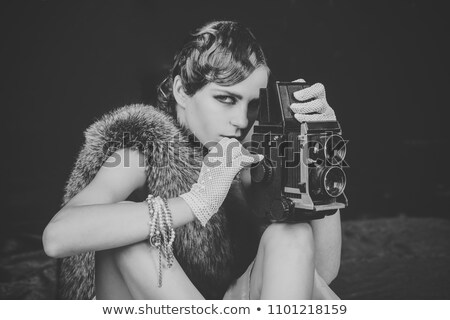 моде · фотограф · ретро · камеры · репортер · женщину - Сток-фото © lunamarina