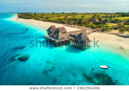 Belle hôtel indian océan sunrise Photo stock © denbelitsky