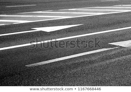 Pijl weg oppervlak asfalt verkeer Stockfoto © dolgachov