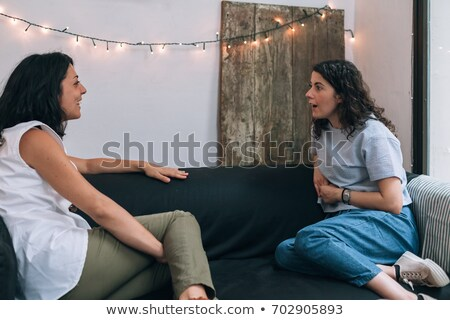 Sitzung · Couch · glücklich · Freunde · Mädchen - stock foto © deandrobot