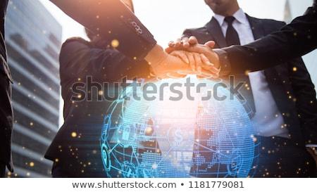 közelkép · üzletember · bitcoin · hologram · pénzügy · üzlet - stock fotó © dolgachov
