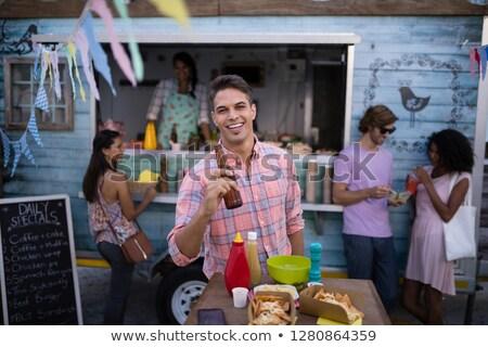 Portret gelukkig man bierfles cafetaria Stockfoto © wavebreak_media