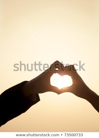 silhouet · handen · vorm · hart · vrouw · hand - stockfoto © ssuaphoto