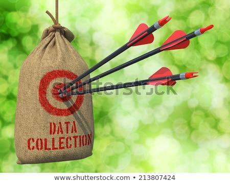 Foto stock: Dados · coleção · alvo · três · azul