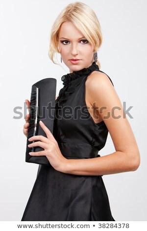 mulher · bonita · bolsa · carteira · em · pé · vestido · preto · morena - foto stock © feelphotoart