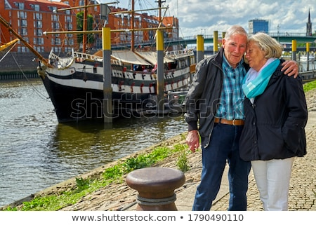 Maturité couple promenade plage heureux Photo stock © photography33