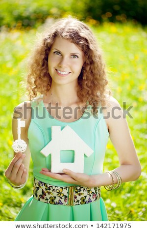 mão · chave · isolado · branco · segurança · ouro - foto stock © cherezoff