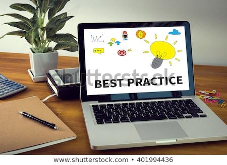 prática · pc · tabela · médicos · livro - foto stock © tashatuvango