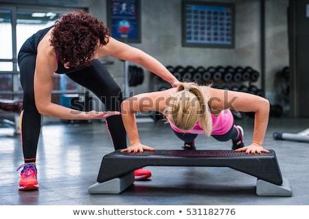 Zdjęcia stock: Fitness · instruktor · pomoc · klienta · kobieta · medycznych