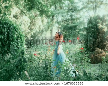goddelijk · vrouwelijke · mooie · vrouw · naar · gelukkig - stockfoto © pressmaster
