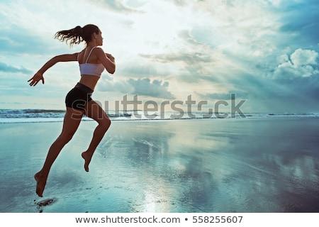 Stok fotoğraf: Genç · kadın · çalışma · yaz · plaj · deniz · çalıştırmak