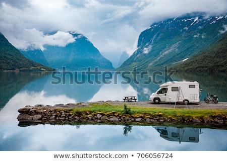 Familie vakantie reizen vakantie reis caravan Stockfoto © cookelma