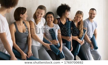 Jongeren genieten gesprek afgewerkt groep Stockfoto © boggy