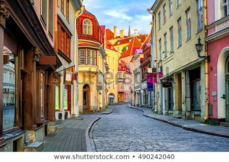 Straat Tallinn Estland kerk hemel stad Stockfoto © borisb17