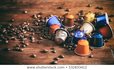 café · cápsulas · café · preto · isolado · branco - foto stock © luissantos84