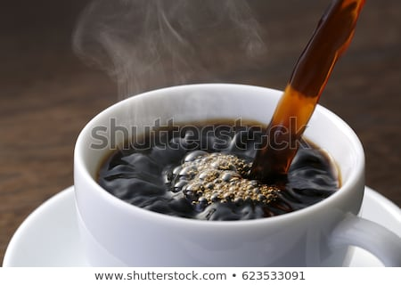 áramló kávé edény csészék rozsdamentes tálca Stock fotó © bobhackett