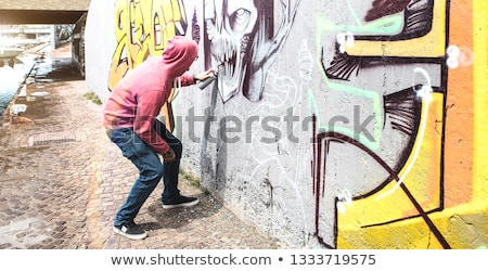 Tiener graffiti aërosol zwarte kunst Stockfoto © ivonnewierink
