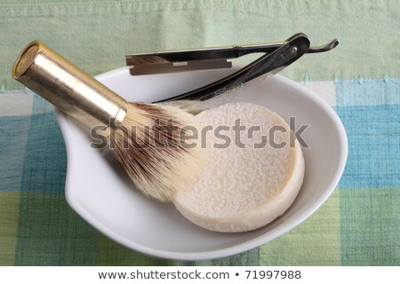 старые · бритва · щетка · блюдо · белый · металл - Сток-фото © peter_zijlstra