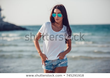 seksi · genç · kadın · mesire · tropikal · plaj · okyanus · bakmak - stok fotoğraf © kasto