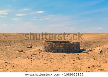 Oude historisch roemeense dorp emmer Rood Stockfoto © tony4urban