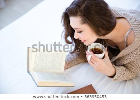 genç · kadın · okuma · beyaz · kitap · okul · çalışmak - stok fotoğraf © deandrobot