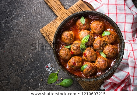 finom · húsgombócok · mártás · hús · forró · eszik - stock fotó © yelenayemchuk
